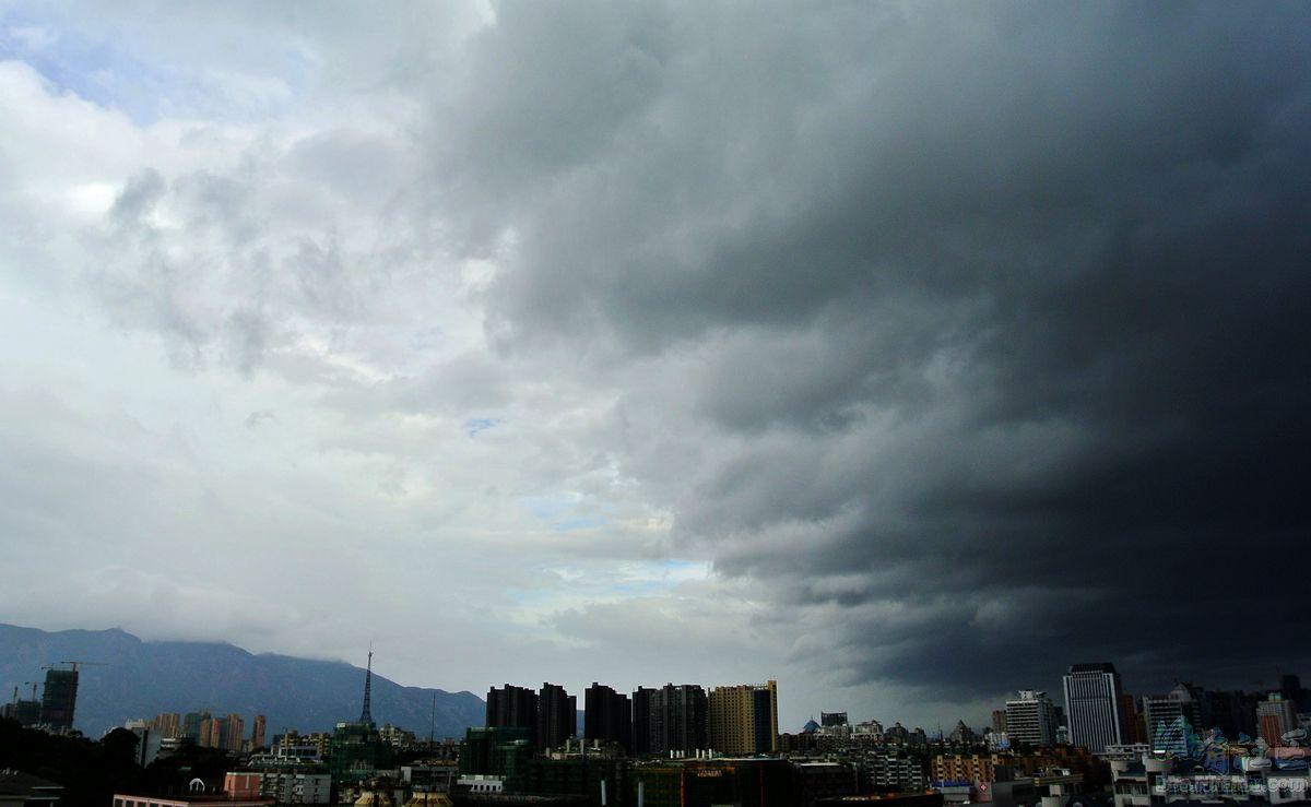 凤凰台风福州天气对比